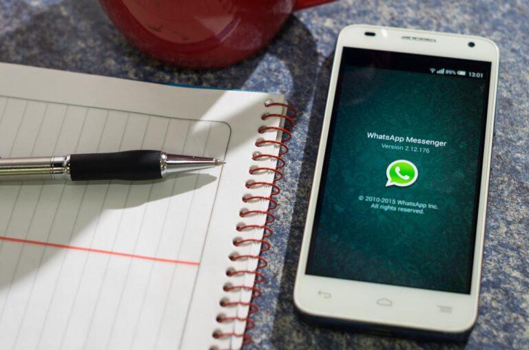 Puedes borrar archivos fácilmente en WhatsApp para que ocupe menos espacio en tu móvil.